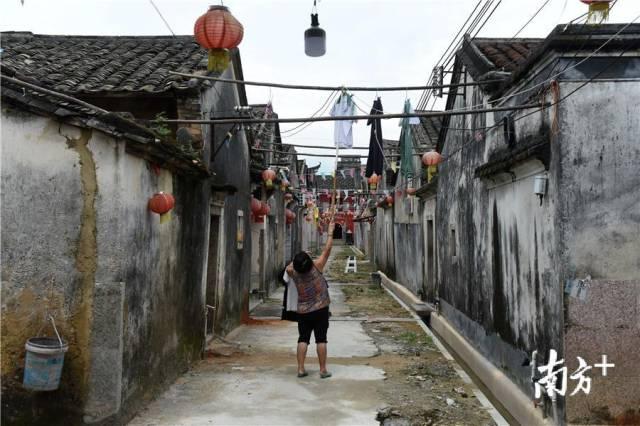 罗冈围至今仍有多户人家居住在里面。