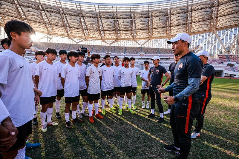 05-佳兆业U15精英足球队训练实景5.jpg