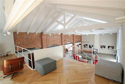 客厅飘窗装修效果图超级吸睛 百平三室两厅简约家