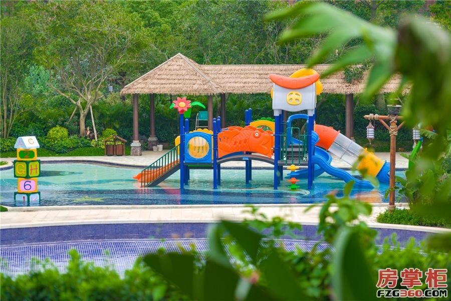 水上游乐园