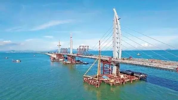 情一吻 港珠澳大桥即将全线贯通